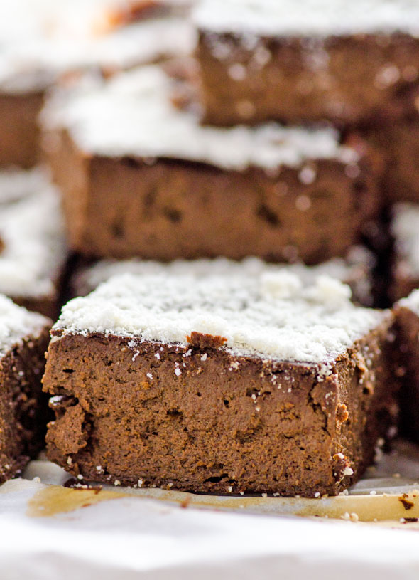 Vegan Protein Fudge Brownies