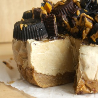 Peanut Butter and Banana Cheesecake