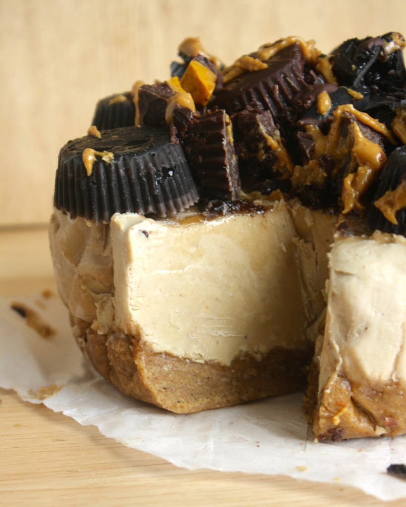 Peanut Butter and Banana Cheesecake