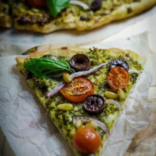 Vegan Pesto Pizza